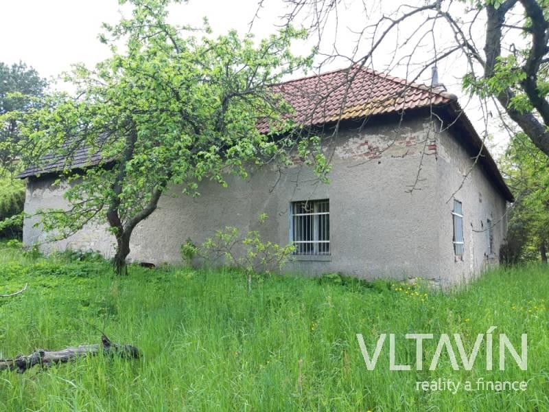 Prodej domu na rozsáhlém pozemku 3226 m2 Mělník- Vehlovice
